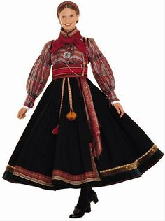 Hello all, today I am returning to Telemark, one of the richest provinces in terms of folk art and costume in Norway. Telemark has. Traditional Fashion, Traditional Dresses, Norwegian Clothing, Costume Ethnique, Native Wears, Costumes Around The World, Folk Clothing, Folk Costume, Textiles