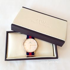 My Daniel Wellington Classic Oxford Lady. http://saradujour.me/post/48176583312/daniel-wellington-oxford-lady  www.danielwellington.com