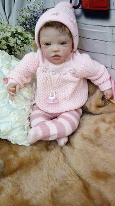 Vitoria bebê adotada