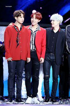 Jungkook, J-Hope & Suga ♡ 17.09.29 BTS Kpop World Festival In Changwon