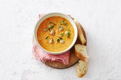 Met bouillon, balletjes, gegrilde groenten én frisse munt maak je deze heerlijke maaltijdsoep - Recept - Allerhande