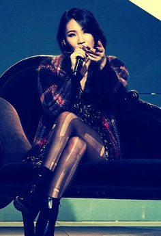 2NE1 CL MISSING YOU AT STAGE 2013 <3