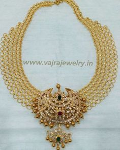 Broad Gold Chain With Diamond Pendant photo fashionjewelleryonline Pearl Necklace Designs, Gold Earrings Designs, Gold Jewellery Design, Bead Jewellery, Handmade Jewellery, Necklace Set, Earrings Handmade, Art Nouveau, Gold Jewelry Simple