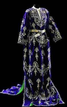 Turkish Wedding Dress, Beautiful Outfits, Cool Outfits, Moroccan Caftan, Glamour, Folk Costume, Historical Clothing, Fashion History, Traditional Dresses