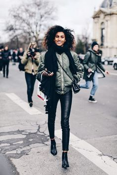 A cropped bomber like this one will afford you an edgy and attractive style which is suitable for any opportunity! Paired with leather leggings and faux snakeskin boots, this outfit is ideal for the winter months. Via Clochet. Brands not specified.