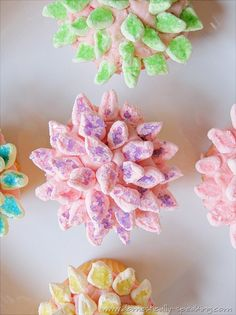 Pretty Mum Cupcakes decorated with marshmallows and sprinkles: Domestically-Speaking.com