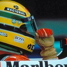 O capacete mais famoso do mundo. #Sennavive