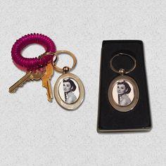 New Audrey Hepburn key chain  fancy! #epochtradingpost #audreyhepburn #flashbackfriday __________________________________________________________ #asburypark #keychain #ladies #icon #iconic #etsy #etsyshop #etsyseller #onlineshopping #famouspeople #celebrity #gift #giftshopping #valentineday #giftideas #giftforher #photographer #photooftheday #fashion #vintage #vintagestyle #women #womensfashion #womenswear #vintagefashion #love #handmade by epochtradingpost