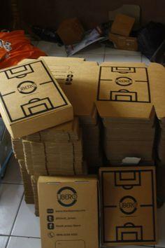 Jasa desain kardus dan kemasan box corrugated Dan, Coffee, Drinks, Toys, Kaffee, Drinking, Activity Toys, Beverages, Clearance Toys
