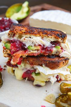 Cranberry and Brie Turkey Grilled Cheese with Avocado and Bacon Recipe : A cranberry roast turkey grilled brie sandwich! Grilled Cheese Avocado, Grilled Cheese Recipes, Bacon Recipes, Turkey Recipes, Cooking Recipes, Grilled Cheeses, Brie Sandwich, Soup And Sandwich, Sandwich Recipes