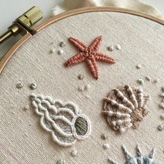 Embroidery with patience .: Embroidery Stumpwork II - Embroidery with patience .: Embroidery Stumpwork II Embroidery with patience . Embroidery Stitches Tutorial, Embroidery Flowers Pattern, Simple Embroidery, Embroidery Patterns Free, Silk Ribbon Embroidery, Crewel Embroidery, Embroidery Hoop Art, Embroidery For Beginners, Hand Embroidery Designs