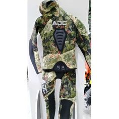 ADC TRAJE MANTIS 5MM PESCA SUBMARINA http://www.armeriadelcarmen.es/product.php?id_product=6195