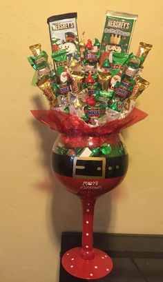 Santa Candy Bouquet | 20 + DIY Christmas Gifts for Teachers From Kids
