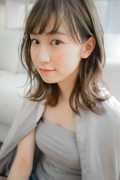 前髪は眉上バング?ダブルバング?種類別に見るバングのヘアカタログ # # in 2020 Short Hairstyles For Women, Bob Hairstyles, Love Hair, My Hair, Medium Hair Styles, Short Hair Styles, Hair Arrange, Short Fringe, Asian Hair