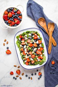 summer-berry-salad-creamy-lemon-dressing-1 Loaf Recipes, Juice Recipes, Delicious Recipes, Berry Salad, 2000 Calorie Diet, Dairy Free, Gluten Free, Blue Berry Muffins, Weeknight Meals