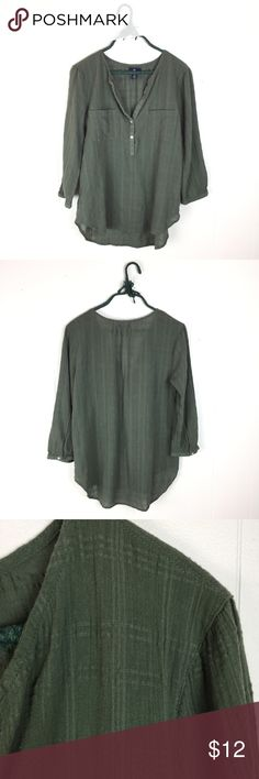 """GAP Sage Green Windowpane Woven Boho Top // M Sweet Gap top. Lightweight Windowpane woven in Sage green. Cropped sleeves, popover style. Very good condition - does have a worn in vintage vibe to it. 100% cotton. Size medium. 26"""" long in the front, 28"""" long in the back. 21"""" underarm to underarm. GAP Tops Blouses"""