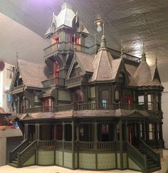 http://www.steampunktendencies.com/ DOLL! HOUSE!!!! I NEED THIS!
