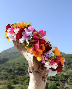Corona muy primaveral realizada con hortensias preservadas
