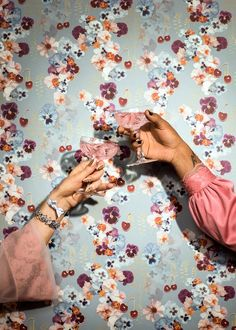 Wallpaper: Cherry bt Tigron & Floyd