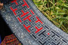 Handicraft in the village BAI JIA PO - Red Miao