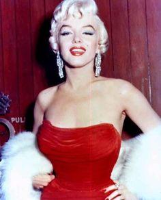 Marilyn Monroe in red