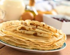 How to Make Crepes Out of Pancake Batter Crêpe Weight Watchers, Weigh Watchers, Lactose Free Pancakes, Pancakes And Waffles, Ww Recipes, Sweet Recipes, Cooking Recipes, Ww Desserts, Dessert Recipes