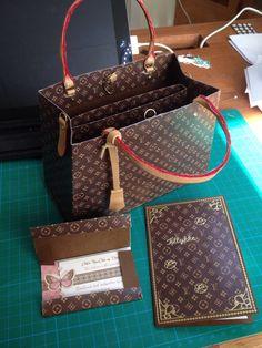 LV taske af karton
