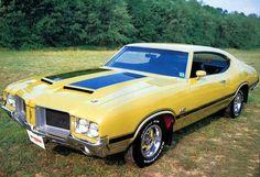 Oldsmobile Cutlass Holiday