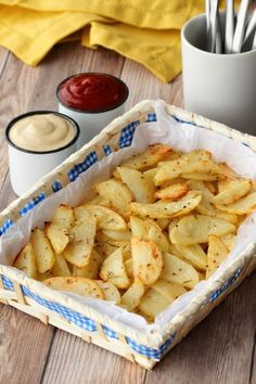 Spicy garlicky baked potato fries! These easy and delicious fries are fabulous served with ketchup or cashew sour cream and a wonderful alternative to regular fries!  lovingitvegan.com
