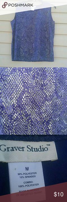 Graver studio top Excellent used condition worn a few times size M graver studio Tops