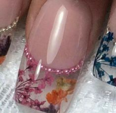 - Beauty and fashion ideas Fashion Trends, Latest Fashion Ideas and Style Tips French Nails Glitter, Fancy Nails, Trendy Nail Art, Stylish Nails, Hot Nails, Hair And Nails, Gel Nail Art, Acrylic Nails, Clear Acrylic