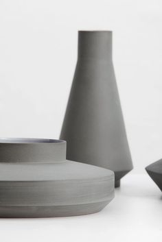 Matt grey ceramic va