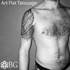 Tattoo géométrique mandala pattern