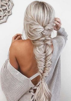 Unique and gorgeous platinum braids for long hair to see in 2018. Here you'll definitely wonder how amazing and beautiful braids are if you sport them with long haircuts. But the problem is, most of the ladies don't know exactly how to style them perfectly. Here you can learn easily how to create and wear them perfectly