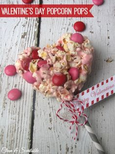 Valentine's Day Popcorn Pops free printables. #yearofcelebrations