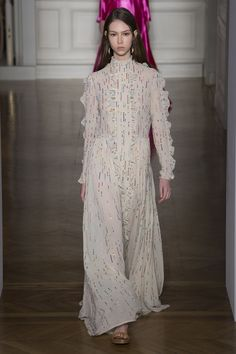 This is an after party dress if I ever saw one...Valentino Spring 2017 Couture collection #RUNWAY