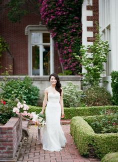 Photography: Esther Sun  - www.esthersunphoto.com   Read More on SMP: http://www.stylemepretty.com/2016/11/17/spring-kohl-mansion-wedding/