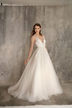 Enaura Bridal Couture: Bridal Gown: A-Line: Natural Waist | KleinfeldBridal.com