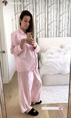 Lea Michele Masters Relaxed Maternity Style in PJs Celestial Slippers Media To Share, Stuart Weitzman Sandals, Dianna Agron, Cory Monteith, Maternity Fashion, Maternity Style, Sarah Michelle Gellar, Moon Design, Celebrity Moms