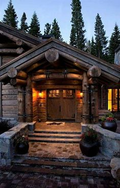 Modern take on a log cabin, custom-built by NSM Construction in Truckee, CA. Log Cabin Living, Log Cabin Homes, Log Cabins, Mountain Homes, Cabins And Cottages, Wood Plans, Cabins In The Woods, House Front, My Dream Home