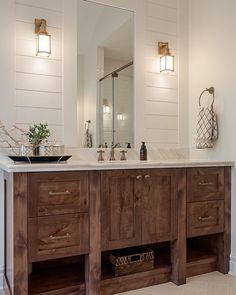 Amazing Farmhouse Master Bathroom Decor And Design - - Bathroom Ideas Home Interior, Bathroom Interior, Modern Interior, Design Bathroom, Bathroom Wall Colors, Bathroom Accents, White Bathroom, Seashell Bathroom, Artwork For Bathroom