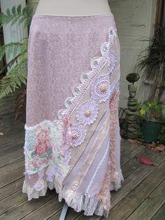 Vintage Kitty... dusky Pink, lila... Upcycled Vintage... Deckchen... Spitze...Rosen, häkeln, Ooak. häkeln Sie, Seidenband LARGE