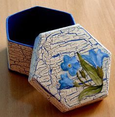 Mosaic Tray, Painted Wooden Boxes, Decoupage Box, Wood Art, Projects To Try, Decorative Boxes, Crafts, Handmade, Diy
