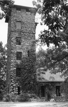 """The Helmer Castle- Jackson Michigan located on Draper Road, near Jackson Community College.In it was the film location of the horror movie """"Demon Lover. Jackson Michigan, State Of Michigan, Haunted Places, Abandoned Places, Abandoned Homes, Jackson Community College, Grass Lake, Lake Garden, Mysterious Places"""