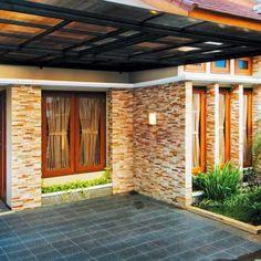 Model Teras Rumah Minimalis Batu Alam Stone Wall Design, Brick Design, Exterior Wall Design, Bungalow House Design, Dream House Exterior, Home Room Design, Architect Design, Cool Walls, House Rooms
