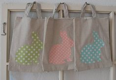 Easter Bags from mamas kram: Ostern Hoppy Easter, Easter Bunny, Easter Eggs, Easter Gifts For Kids, Diy For Kids, Easter Projects, Easter Crafts, Bunny Bags, Bunny Party
