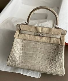 Pinterest @sarstephenn Luxe Life, Barbie Dream, Material Girls, Luxury Bags, Hermes Kelly, Body Bag, Jewelry Accessories, Reusable Tote Bags, Style Inspiration