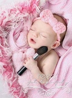 Newborn- equipamentos da mamãe Pra você se inspirar e fazer um lindo ensaio do seu baby #newbornphotography #newborn #recemnascido #kids #child #baby #bebê #motherhood #maternidae #filhos #fotos #fotografia #photography #Newborn #make