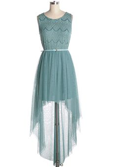 This chic and feminine green dress is perfect for parties! With a lace top, matching belt and tulle hi-low skirt. 60% cotton, 40% polymide Top part stretchy Lined: 100% polyester Dry clean Indie, Retro, Party, Vintage, Plus Size, Convertible, Cocktail Dresses in Canada Peppermint Delight Dress -