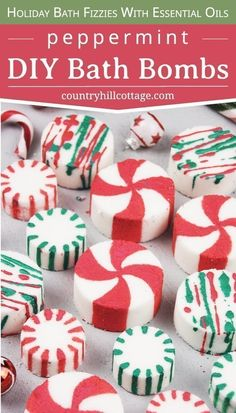 See how to make DIY peppermint bath bombs with essential oils! You learn how to make an easy homemade candy cane essential oil blend and tricks to paint the bat Homemade Christmas Gifts, Christmas Candy, Homemade Gifts, Christmas Diy, Bath Bomb Packaging, Packaging Ideas, Gift Packaging, Christmas Bath Bombs, Bombe Recipe